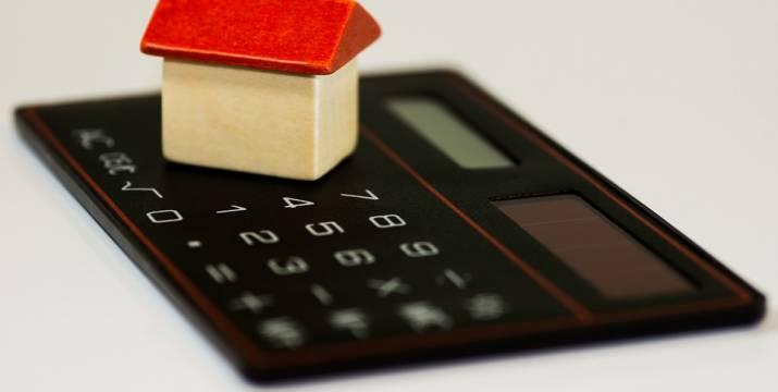 Hypoteční šílenství pokračuje, přestože sazby rychle rostou